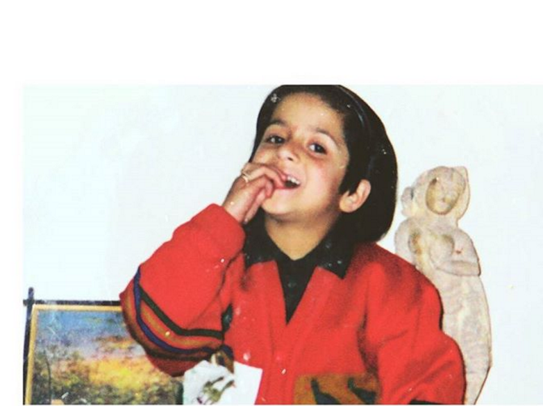 Arushi-Sharma-love-aaj-kal-Childhood-photo