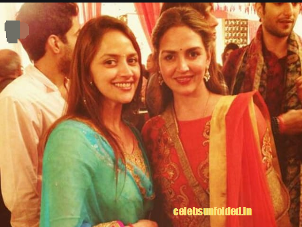 esha-deol-with-her-sister-ahaana