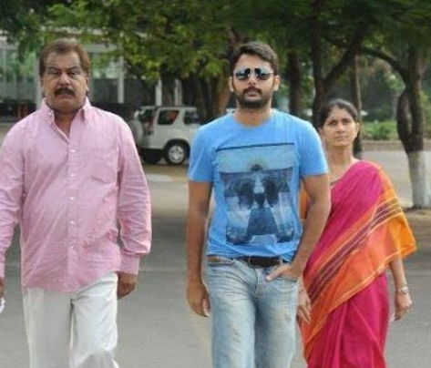 Nithin-with-family