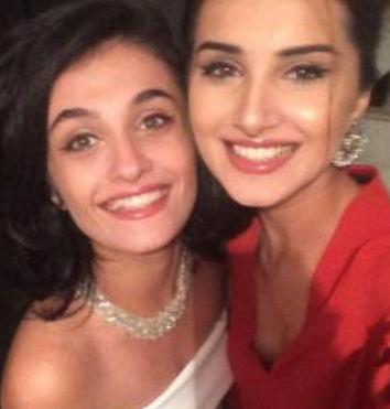 tara-sutaria-with-twin-sister