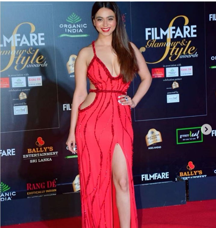 Soundarya-Sharma-in-red-hot-look