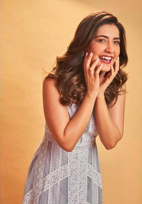 Rashi-Khanna-smiling-hd-photo