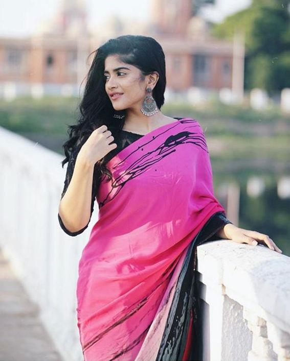 megha-akash-in-saree-hd-photos-images