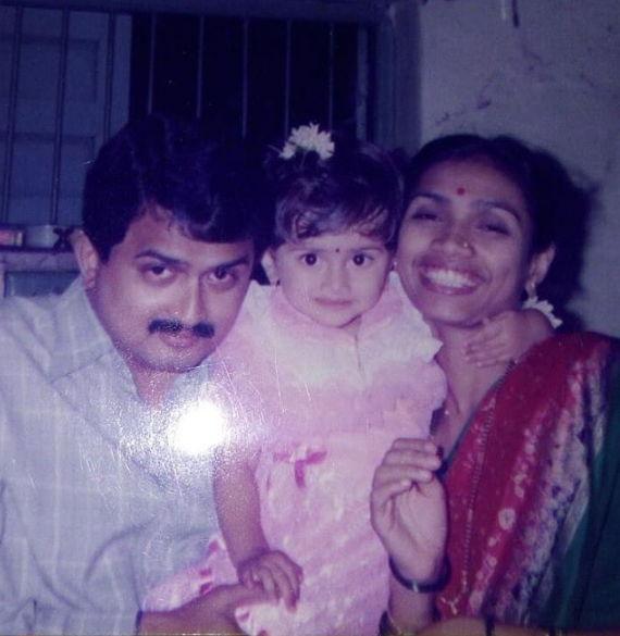 Dnyanada-Ramtirthkar-Childhood-Photos