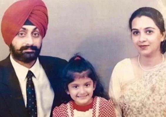 nimrit-kaur-ahluwalia-with-family
