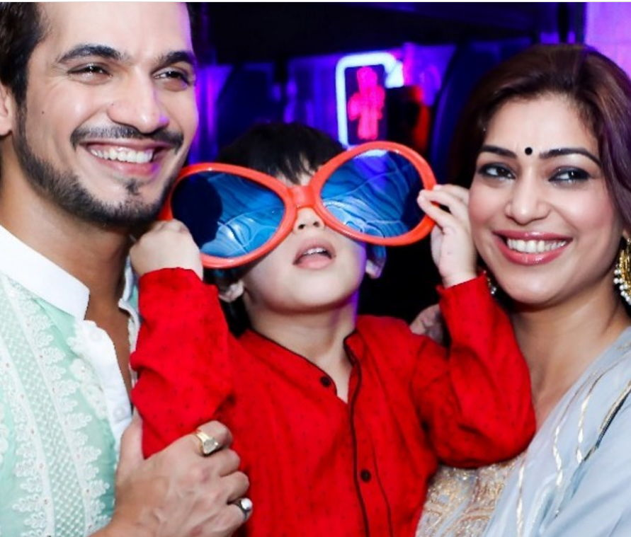 Arjun-bijlani-with-wife