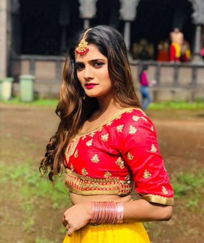 Bhagyashree-mote-photo-gallery