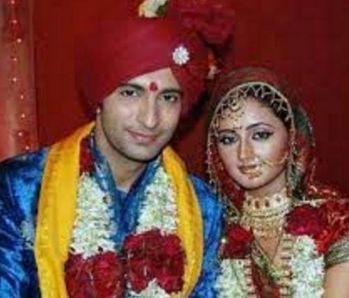 Rashmi-desai-with-nandish-sandhu