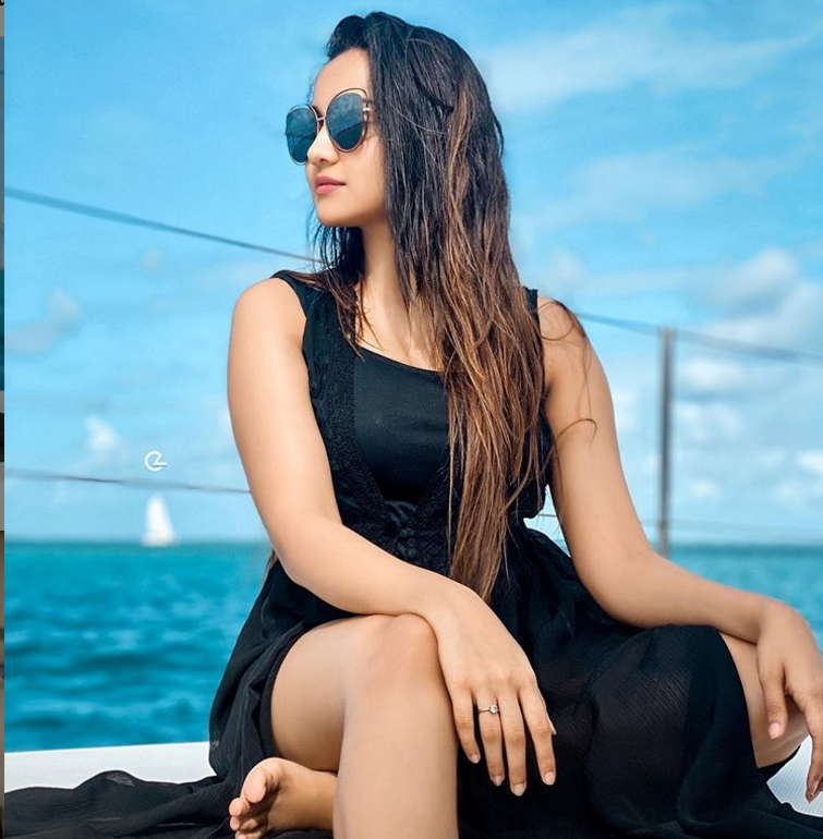 Ashi-singh-images-photos