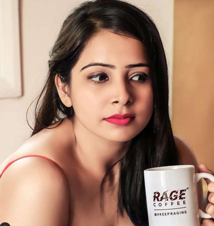 Surabhi-Tiwari-Woodpecker-actress