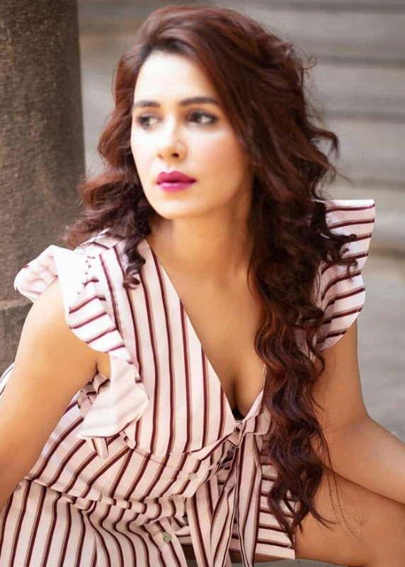 Akshitaa-Agnithotri-Hotshots-actress