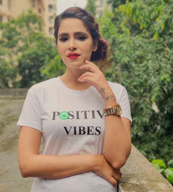 Akshita-Agnihotri-hotshots-actress