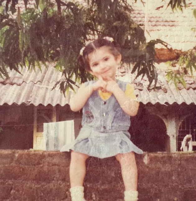Shivaleeka-Oberoi-childhood-photo-picture