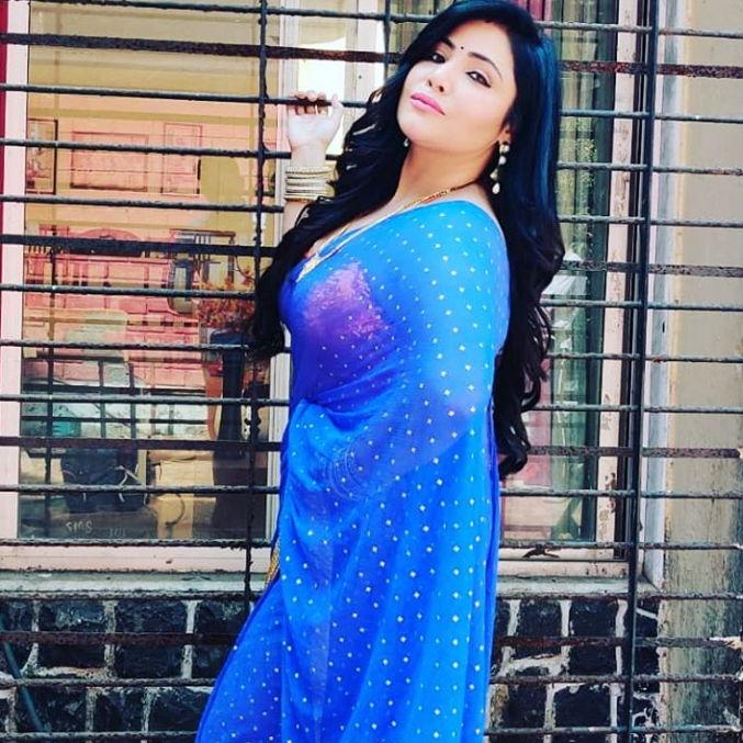 rajsi-verma-charamsukh-sex-education-actress