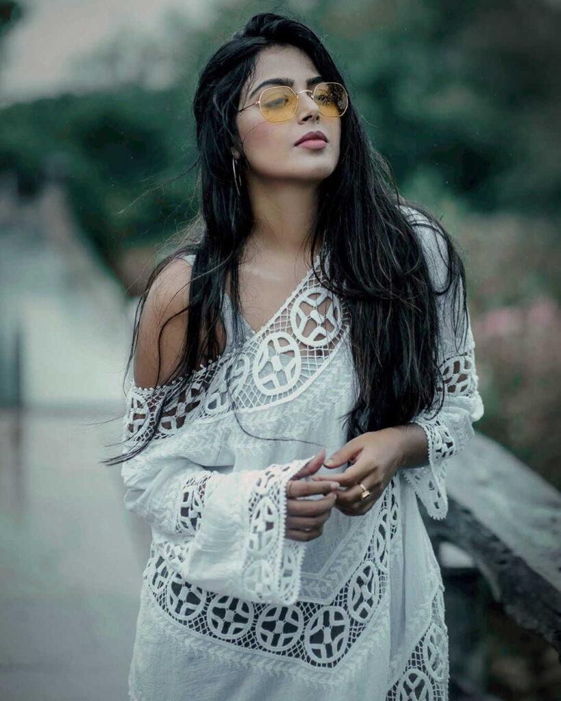 monal-gajjar-actress